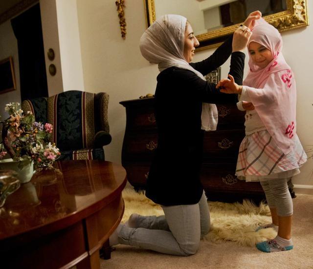 全球二百多国家女性成长记录照片,必会有一张触动你的内心