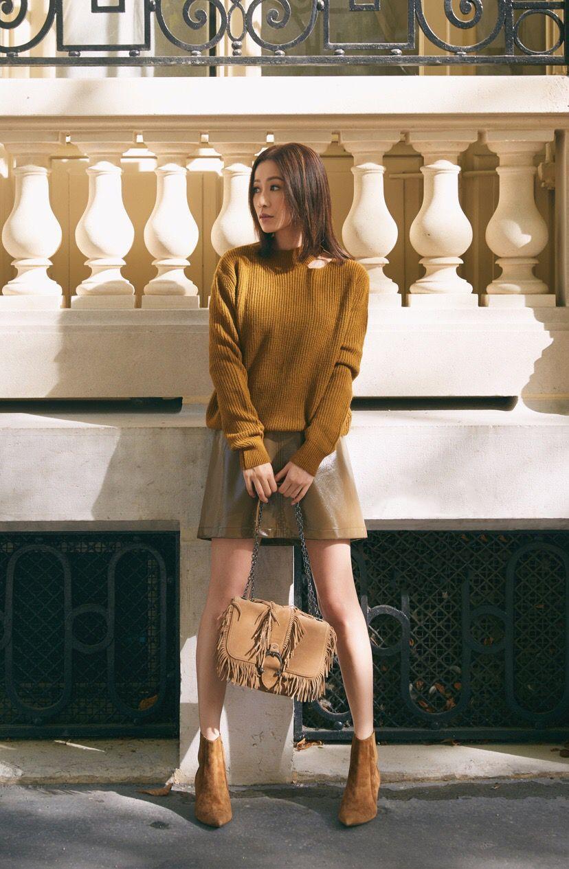 佘诗曼参加完时装周,又解锁了鞋子颜色新搭配,挺时髦的!