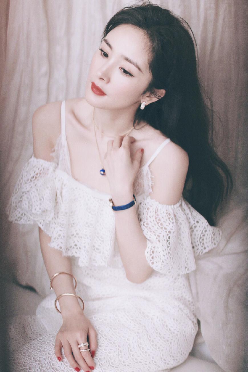 """冯绍峰宣布与赵丽颖结婚,他的""""女友们""""个个美到开挂!"""