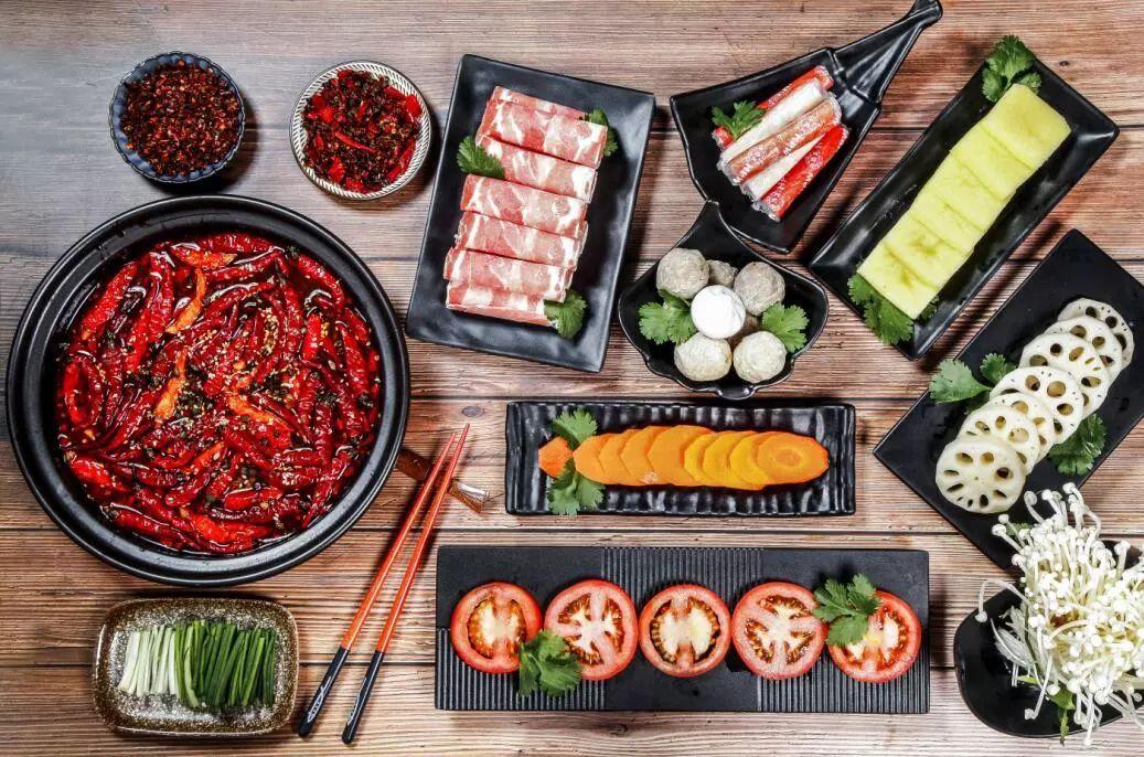 """从海底捞上市,看中国餐饮市场的""""火""""与""""冰"""""""