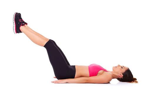 睡前一个简单的动作,每天坚持三分钟轻松瘦腹