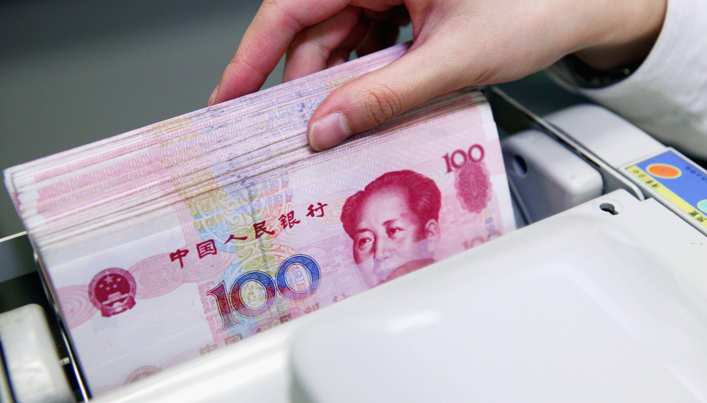 """人民币成""""香饽饽"""",近3成欧洲企业用人民币交易,美元储备越来越少!"""