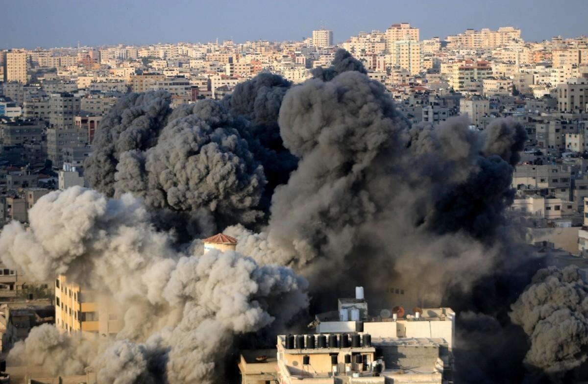 以色列空袭加沙地带_不敢正面硬怼S-300,以色列拿巴勒斯坦出气空袭20个目标_空军