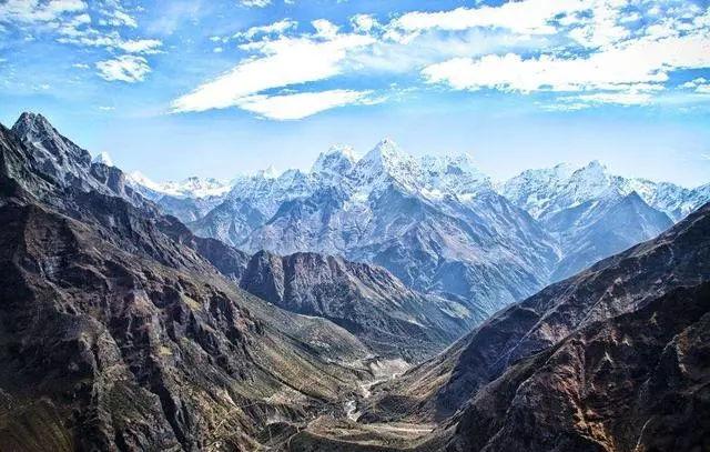 海拔最高的王国,曾属中国不许外国人进入,藏着很多古老的秘密