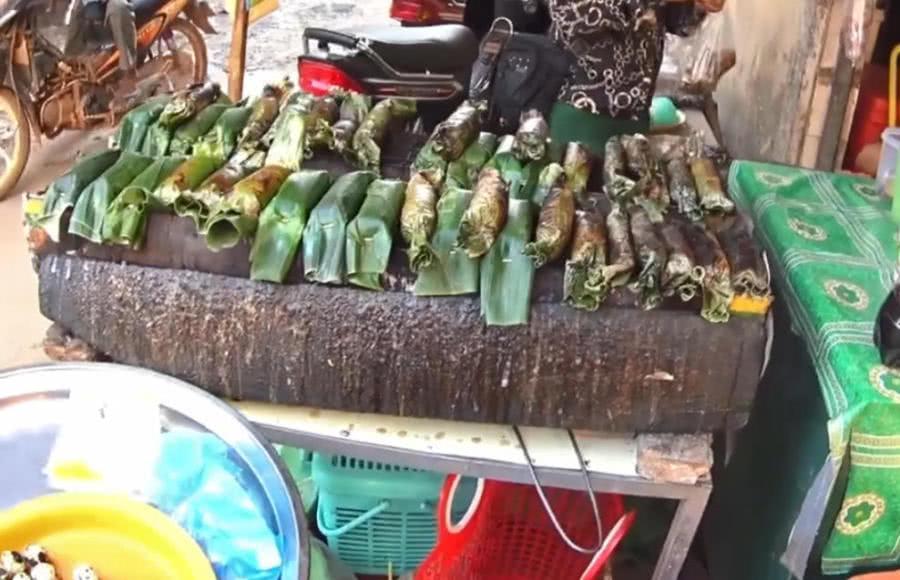 """实拍柬埔寨街头小吃""""烤垃圾"""",味道也太奇葩了"""