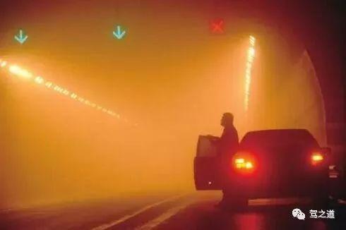 车灯就是照明的吗?告诉你真相!