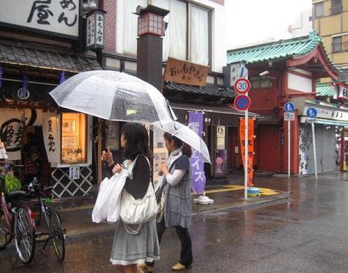为什么很少见日本人来中国旅游?这下可算明白了
