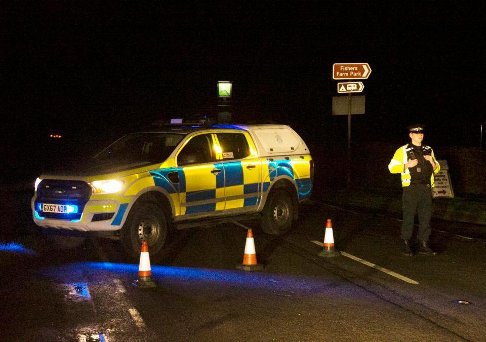 英国32岁父亲因毒驾导致车祸,儿子和妻子受伤严重,小女儿死亡