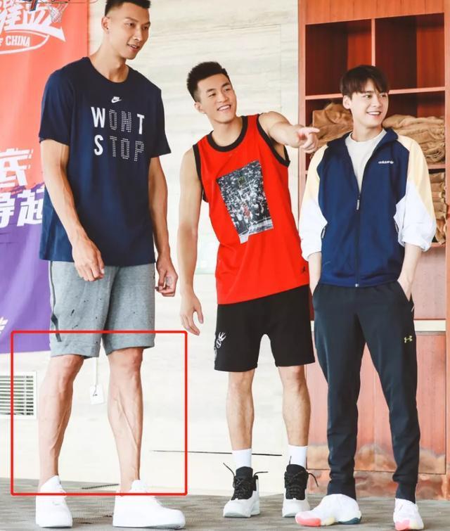 易建联小腿不逊C罗!夏天苦练职业态度感人 他仍是中国男篮第1人