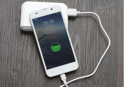 安卓苹果手机都注意!手机上这个功能不关闭,电会莫名其妙消失