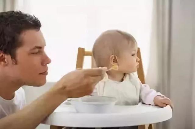 寶寶不吃輔食不用愁,5招正確姿勢教你解決問題