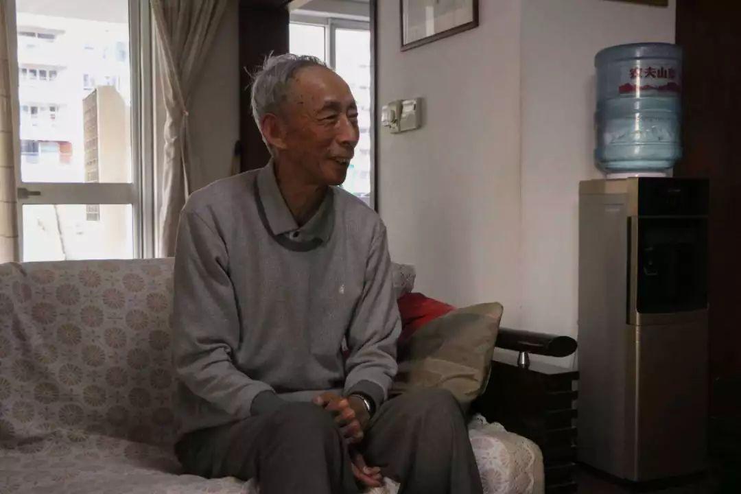 """退休教师王克起,叶文玲夫妇""""校庆四十周年""""说:教育和文学是我的毕生图片"""