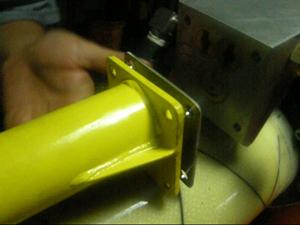 气动锚杆钻机阀芯,阀套,密封圈损坏了如何更换呢?图片