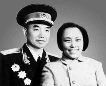 今天仍然健在的女红军,丈夫是上将,儿子是少将,姐夫是元帅