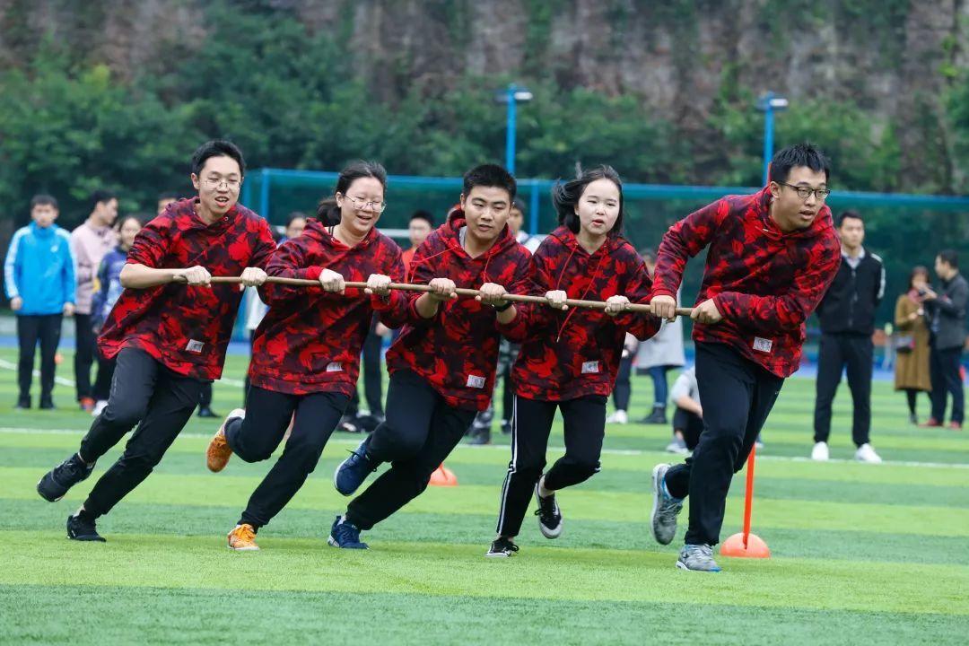 我们与青春撞了个满怀——重庆南开(融侨)中学第十三届校运动会隆重图片
