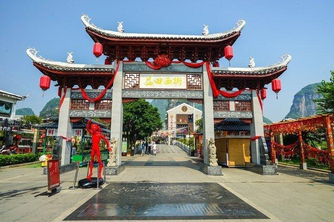 外国人在中国最密集的一条街,每年来这的外国人是常住人口的三倍