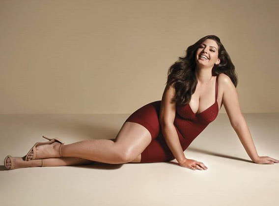 大码模特体重180斤却无赘肉感,身材凹凸有致,美感十足