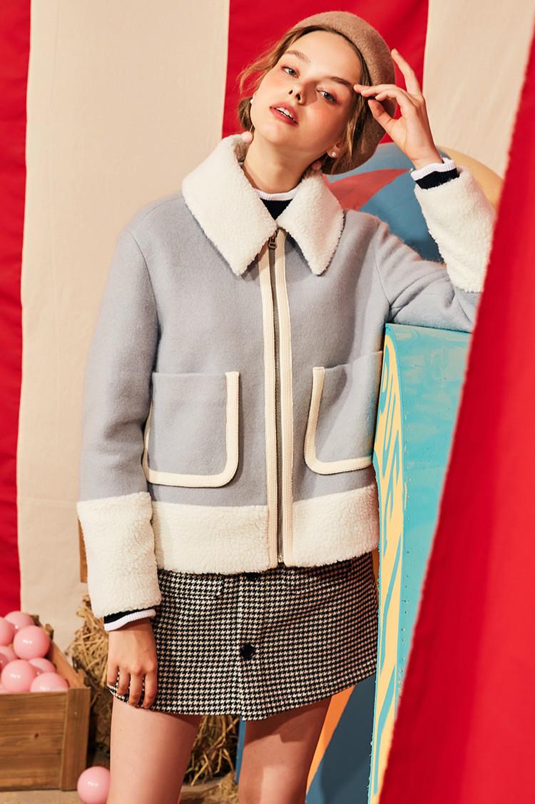 """这个秋冬,女人衣柜里不能缺少的3种""""外套"""",洋气时尚又保暖!"""