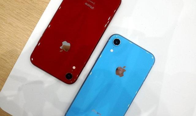 iPhone XR 备货充足,开售 1 个小时首批货还没卖完