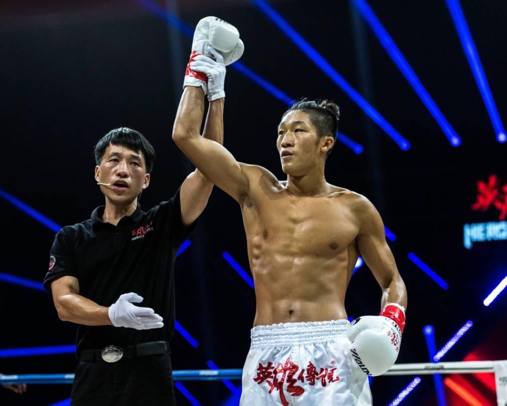 他取代魏锐参加K1八人战 遭四名日本拳手围攻 网友称支持他