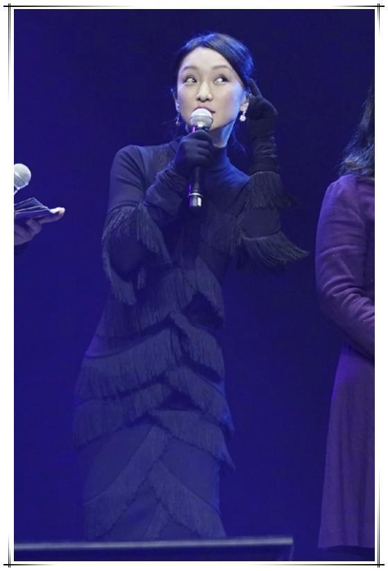 被周迅征服!老气的流苏裙也能穿得如此时髦,2万块钱真没白花!