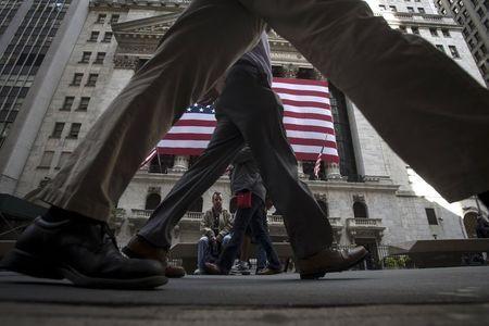 美股盘前:道指期货涨超100点 菲亚特涨超5% 中概股普遍大涨