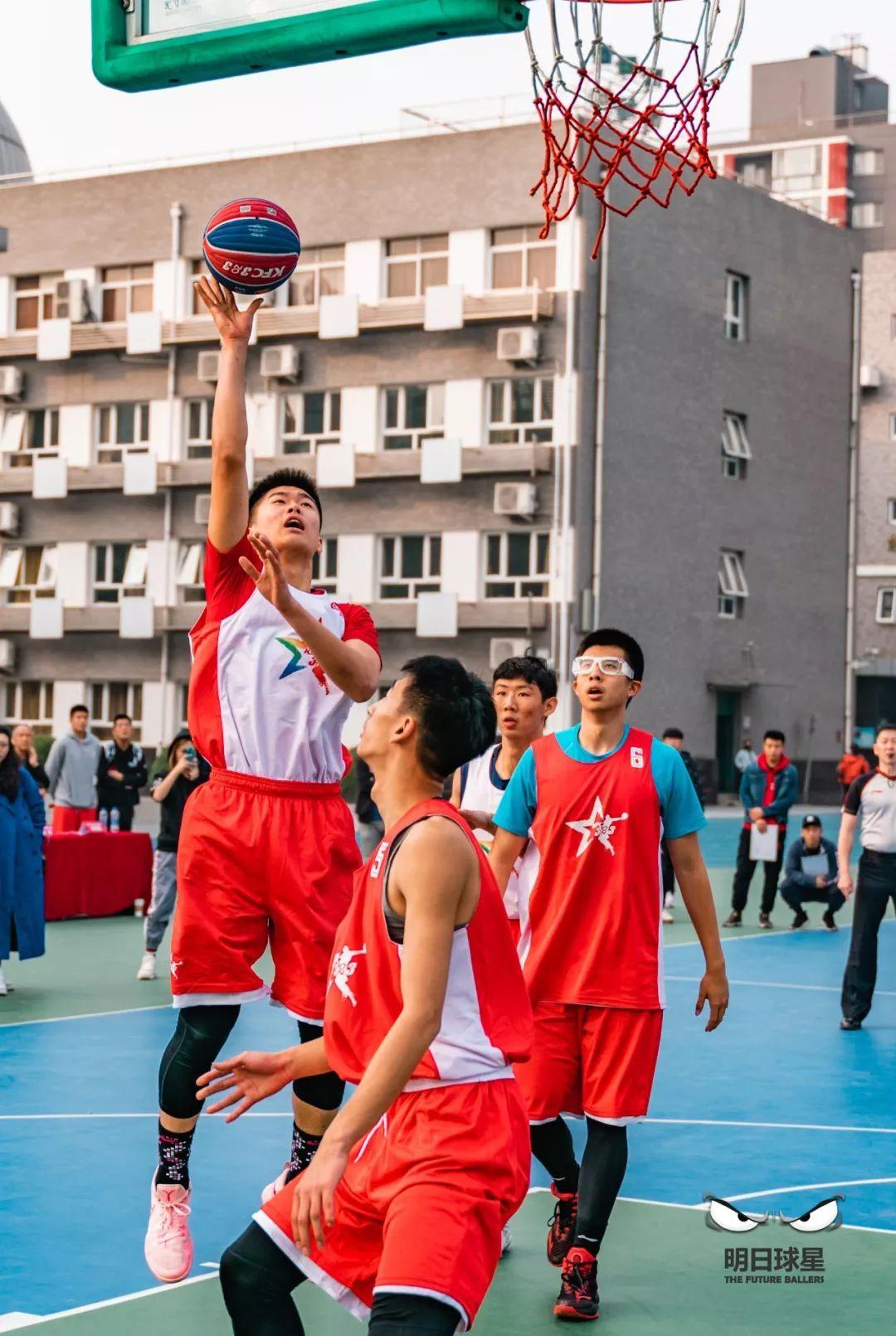 中关村中学雕像_中关村中学 vs 北京四中