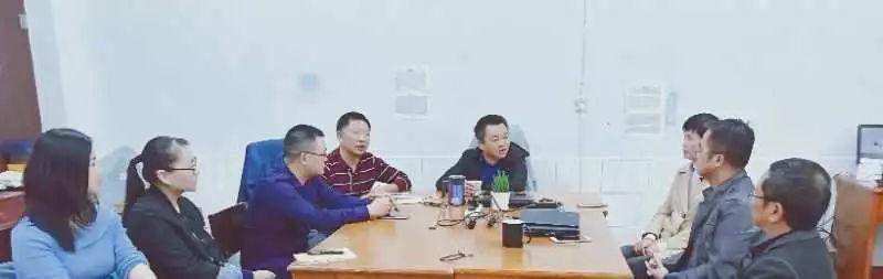 一位语文老师在岳阳县一中的20年