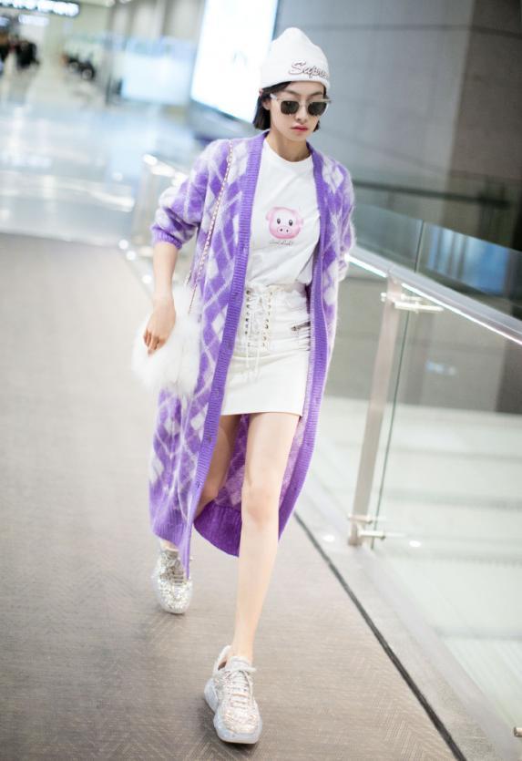 没有宋茜的气质就别穿紫色长衫,像杨超越一样穿成买家秀就尴尬了
