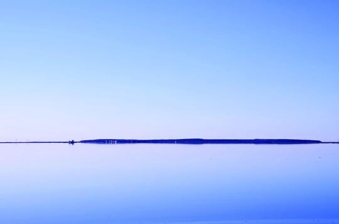 忘记茶卡盐湖吧!推荐你去青海的另一个盐湖,景美游客少又免费
