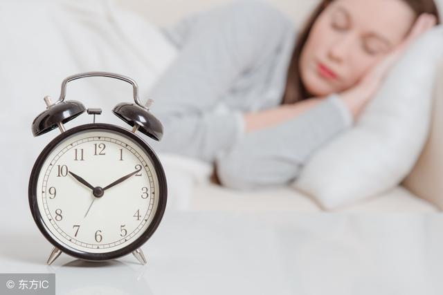 """睡前黄金1小时,坚持3件小事,有助延寿,这才是""""天然"""