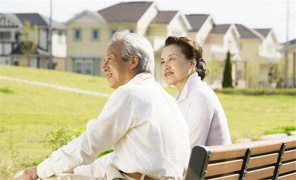 国家为啥每年要给退休人员涨工资?