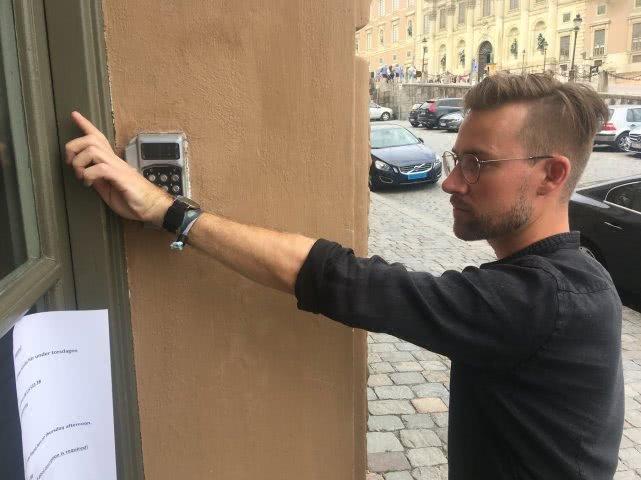 瑞典已經有超過4000人在身體中植入了芯片,未來可怕嗎?  人工智能  第2張
