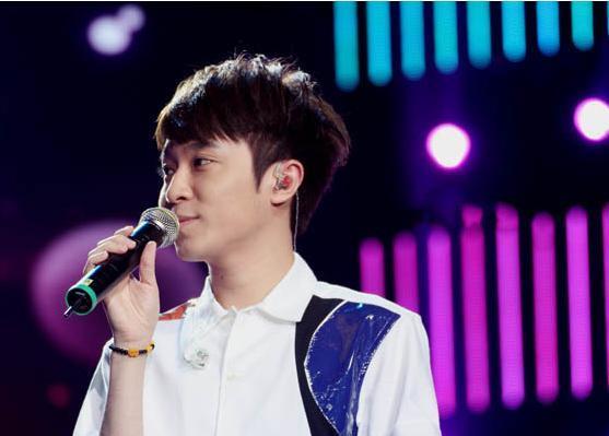 声音辨识度最高的男歌手,一开口就被识破,青峰再上综艺引关注