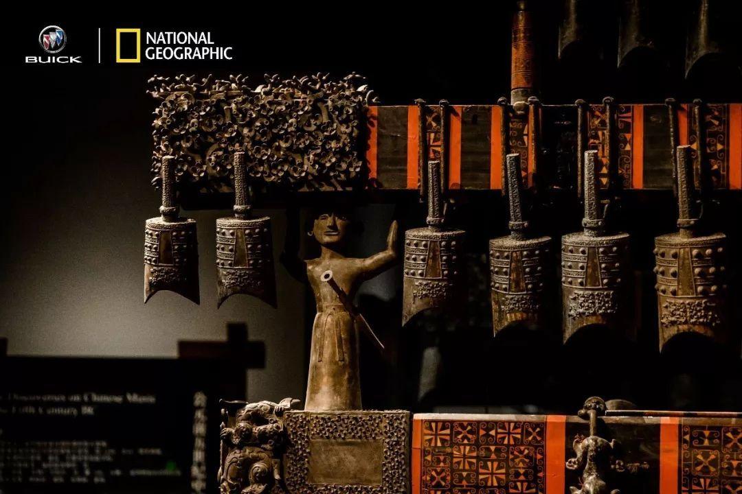 曾侯乙编钟是湖北省博物馆的镇馆之宝之一,在现今出土的编钟里,是规模