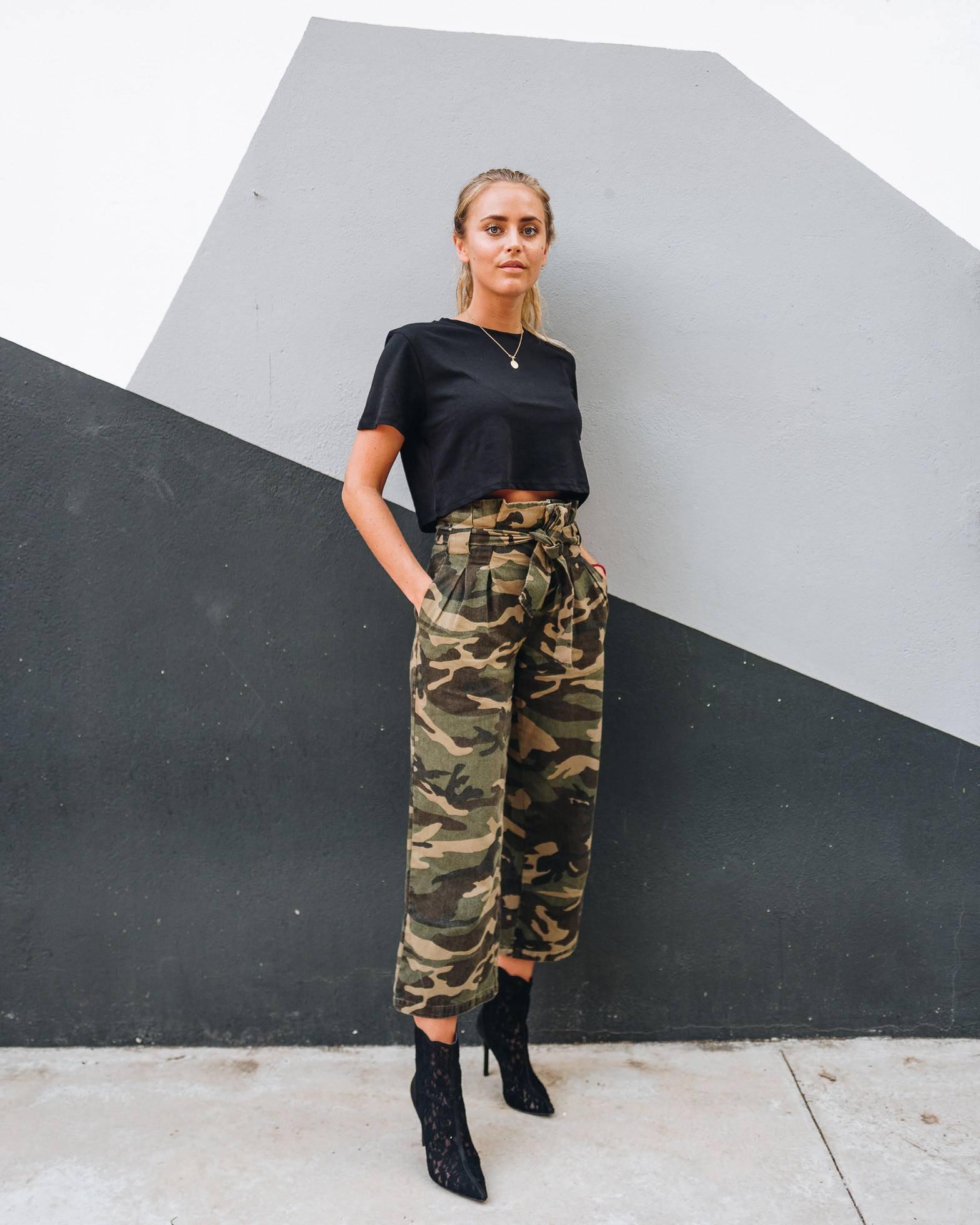 还是觉得工装裤很丑?秋天选对工装裤,让你成功变身盐系小姐姐