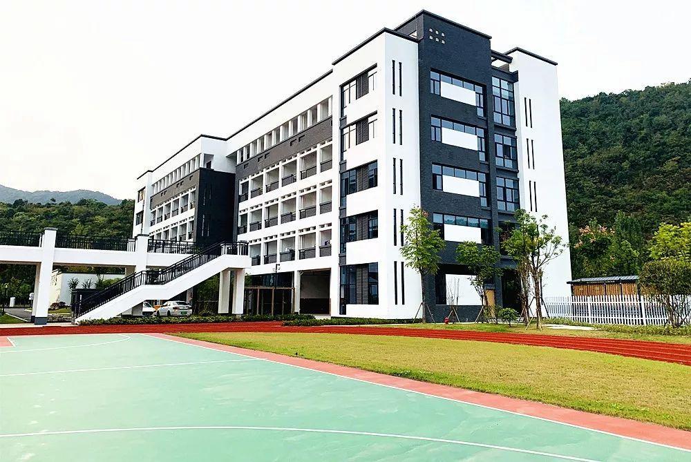 上海脚下的新学校!杭州温塘中学外国语初中公开招聘!19个世界!半山贴吧名额实验图片