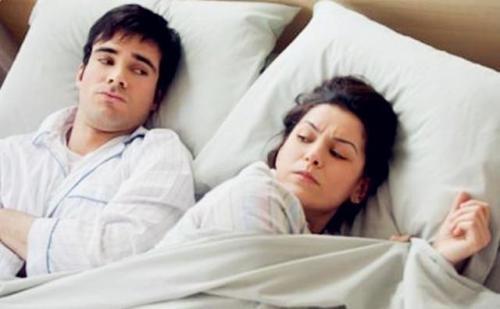 中年夫妻想要感情好,临睡前不妨聊聊这三个话题