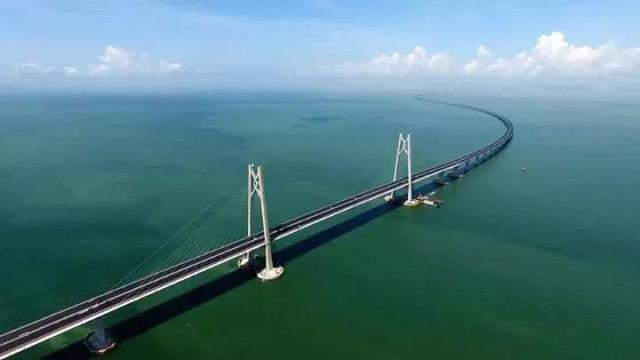 港珠澳大桥开通三周年 珠海公路口岸出入境旅客逾2100万