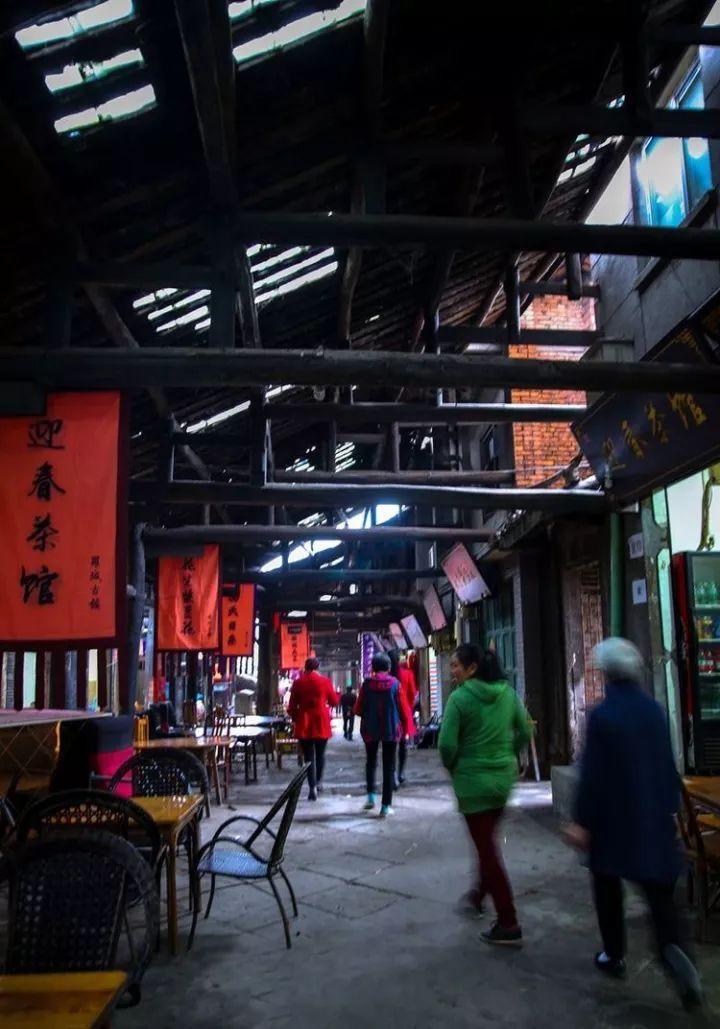 """四川有個超冷門古鎮,造型很奇葩,外國人仿照它造了一座""""城""""!"""