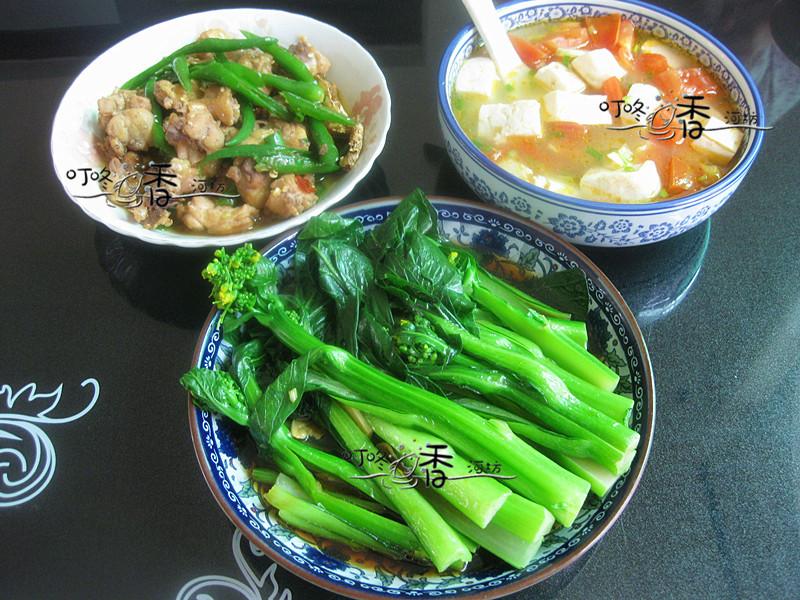 儿子说妈妈的菜像农家乐,两菜一汤很营养,孩子最馋还是它!