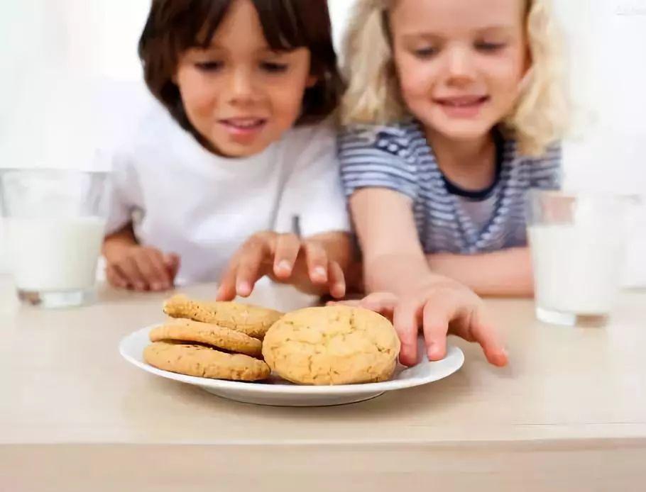 【健康宝贝】真正影响孩子智力发育的,是这6个坏习惯!