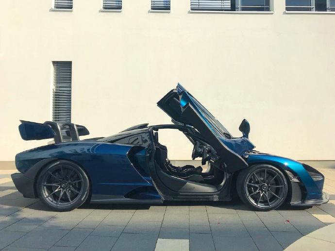 有钱人的世界!迈凯伦旗舰超跑全球首撞修车费能买辆法拉利458_腾