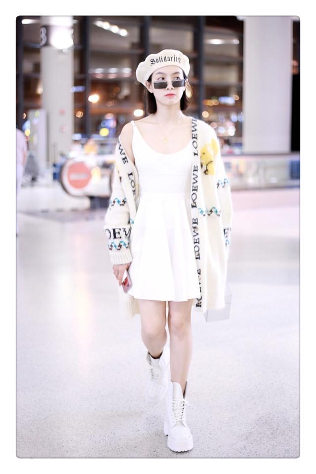 当唐艺昕和宋茜撞衫印花毛衣外套时,我终于见识了时髦的高级形式