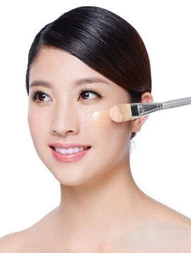 新手学化妆的详细化妆步骤顺序