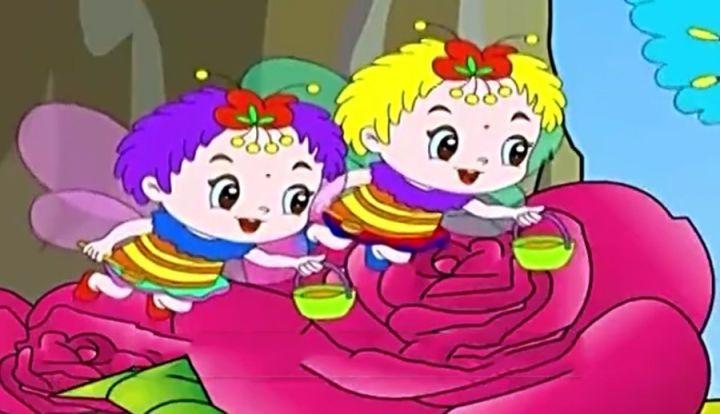夏天到来的时候荷花开放了,小蜜蜂们在忙着采花蜜;蝴蝶姑娘除了唱歌图片