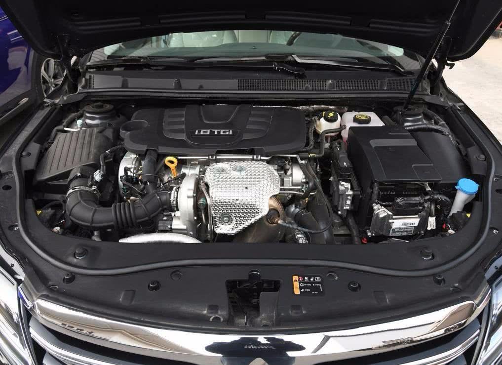 曾定位国产豪华车型车长近5米不足17万荣威950怎么样?