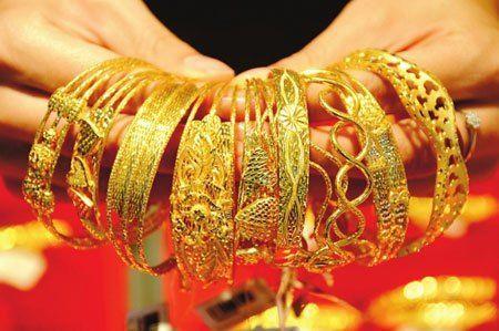 同品牌珠宝店里的黄金首饰,为什么颜色不一样黄?看完就知道了!