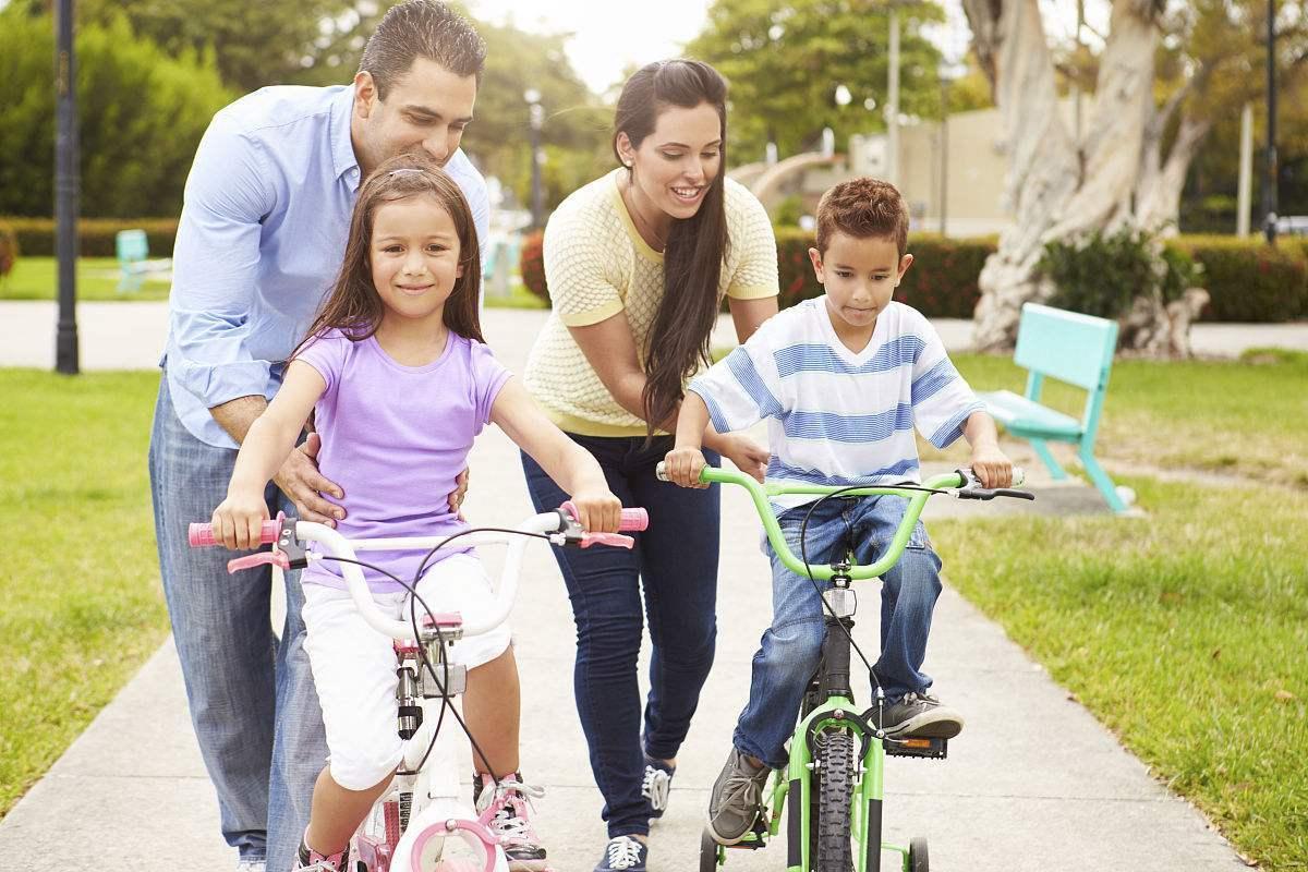 高中班主任坦言:年级成绩前5名的孩子,多出生于这4种家庭