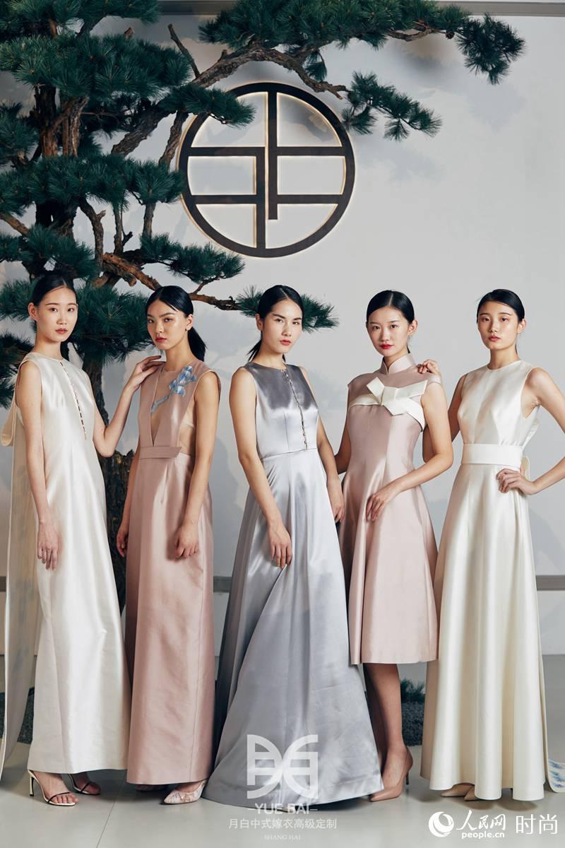 中式秀禾服嫁衣图片